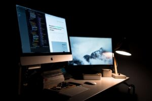 iMac on Table Web Design Trends 2020